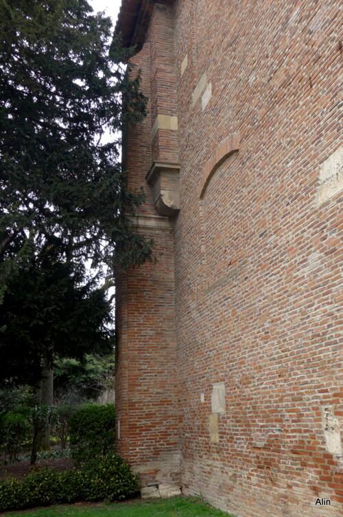 Toulouse : porte du jardin des plantes (n2)