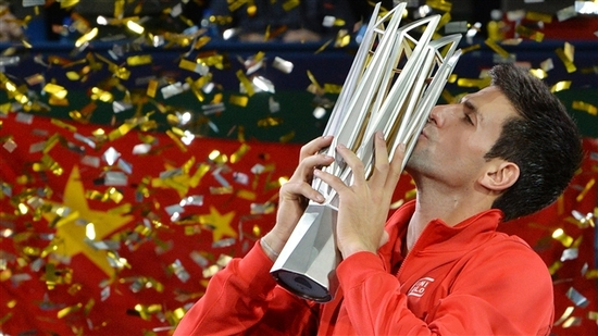 Novak Djokovic s'impose à Shanghai