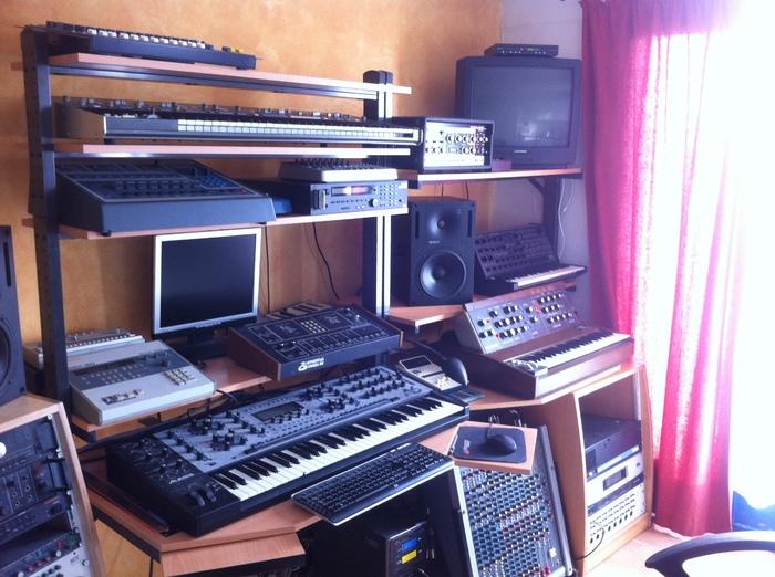 Un bureau ikea pour faire mon coin musique fred tyros studio