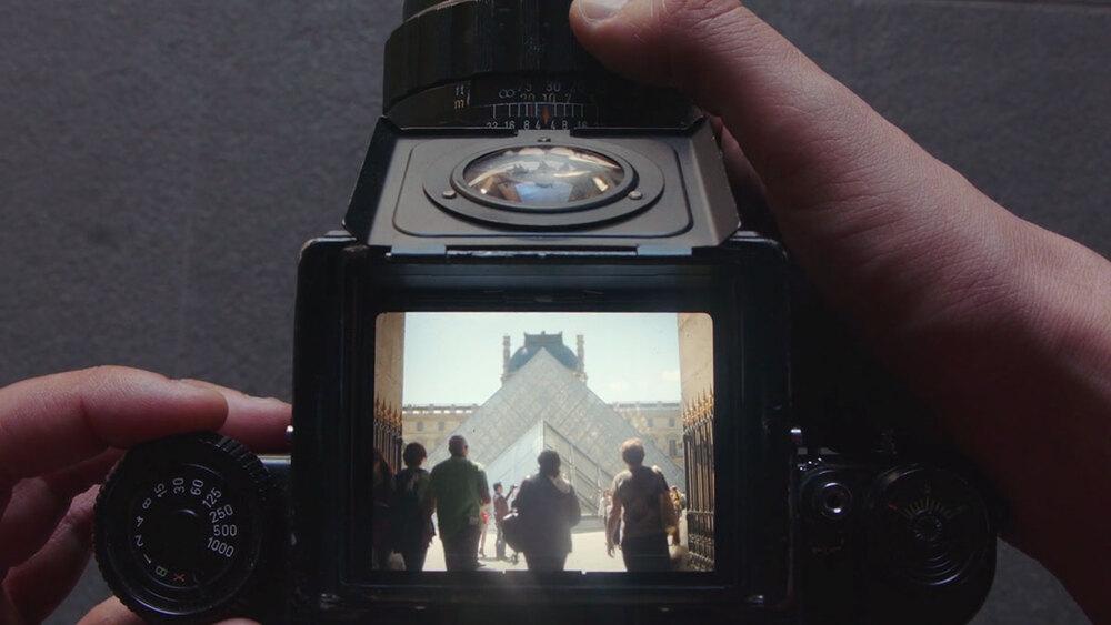 VISITEZ PARIS A TRAVERS  L'ÉCRAN D'UN APPAREIL PHOTO VINTAGE