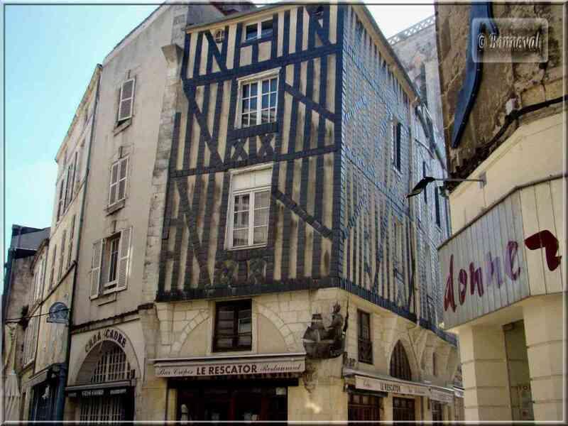 La Rochelle maison à colombages rue du Port