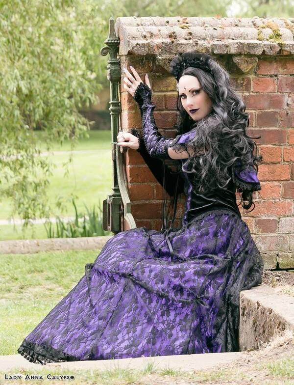 Lady Anna Calypso, modèle