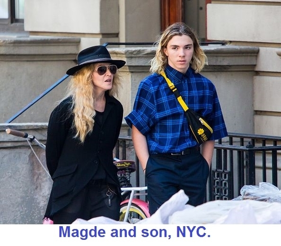 20150808-pictures-madonna-out-and-about-new-york-21