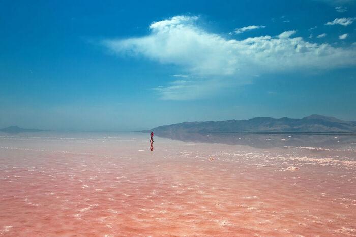 Le Célèbre Lac Salé D'Ourmia En Train De Disparaître -
