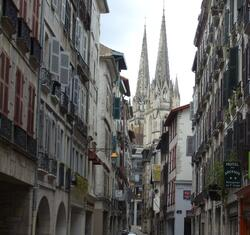 Rue Port Neuf à Bayonne