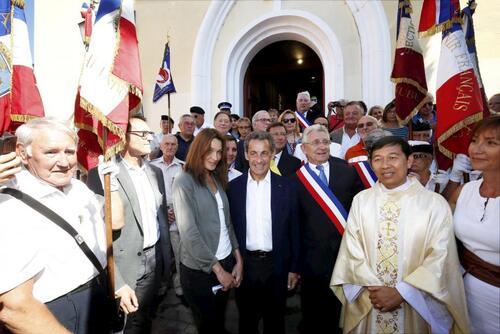 Nicolas Sarkozy à la messe de l'Assomption au Lavandou-La laïcité bafouée une nouvelle fois ! (varmatin.com 15/08/2016)