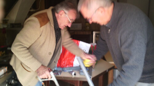 Installation du four à Chauffayer par Michel et Jean-Marie
