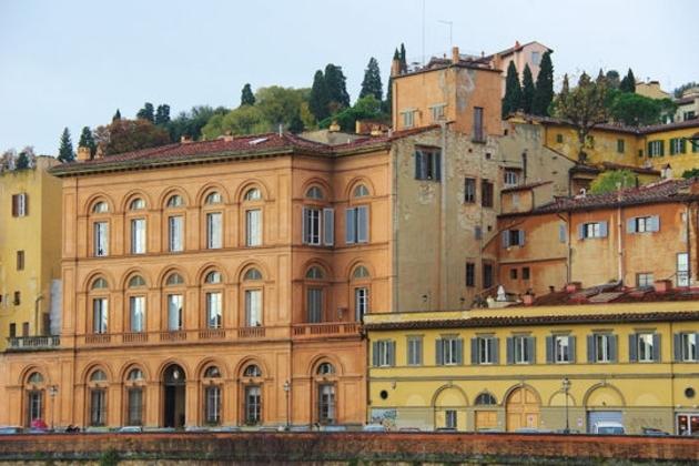 Des cyprès sur les toits de Florence