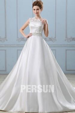 Robe de mariée princesse avec traîne chapelle