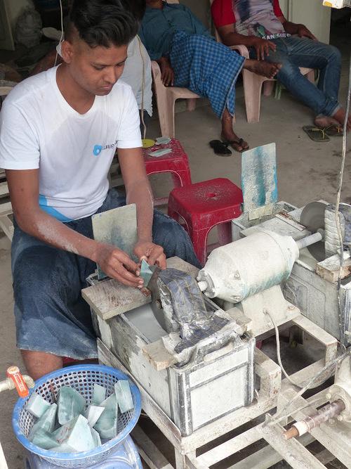 le marché du jade à Mandalay (Birmanie)