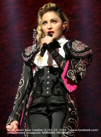 Rebel Heart Tour - 2015 12 01 London (8)