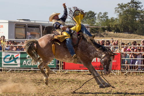 RODEO AMERICAIN - BRONC RIDING