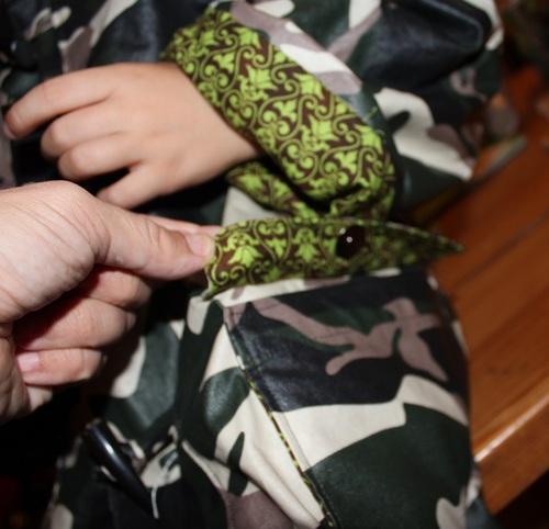 Le Trench Parka pour mon garçon - 6 ans - tissu imprimé camouflage ciré...