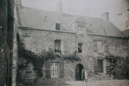 manoir-2-rue-Laennec-CPA-copie-1.jpg