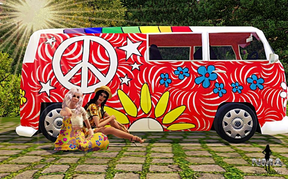 L'image contient peut-être: 2 personnes, voiture, enfant et plein air