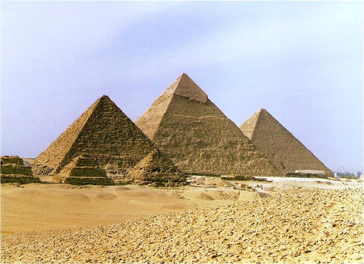pyramidejpg.jpg