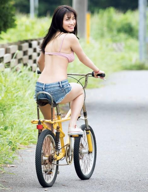 WEB Magazine : ( [FRIDAY Digital - Gravure] -  FRIDAY - 20/03/2020 - Airi Furuta : 古田愛理 〝日本一キュートな女子高生〟  )
