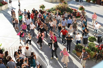FlashMob_TheBravern20-1024x682
