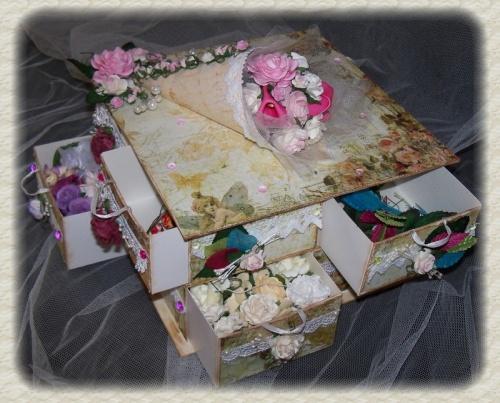 Cj reçu de ndesb et boite pour mes fleurs !