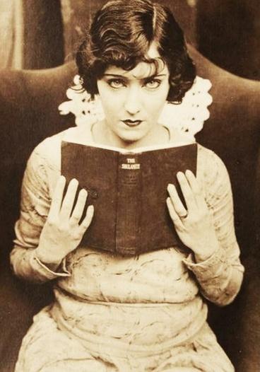 07 - Des femmes célèbres et la lecture