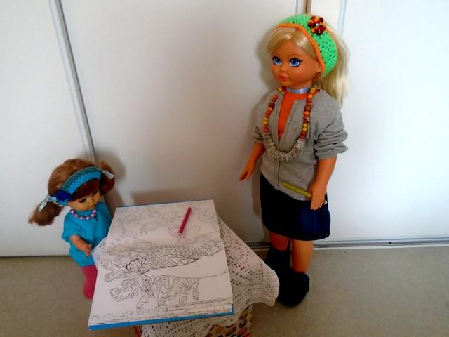 Cathy et Rosalie au coloriage