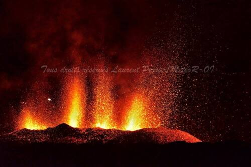 Photos du volcan par Laurent Perrier