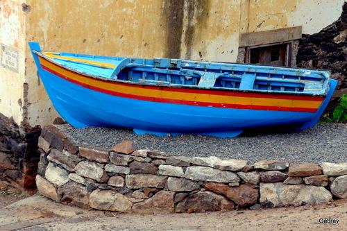 Madère : gros galets, maison, vue sur mer ... n13