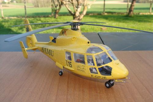 Maquette hélicoptère AS 365N Dauphin F-GPJE du SAMU 61