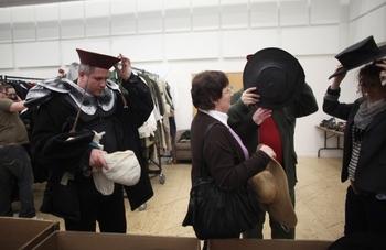 Royal+Shakespeare+Company+Sell+Off+Over+10+mHtA_PdIXxBl