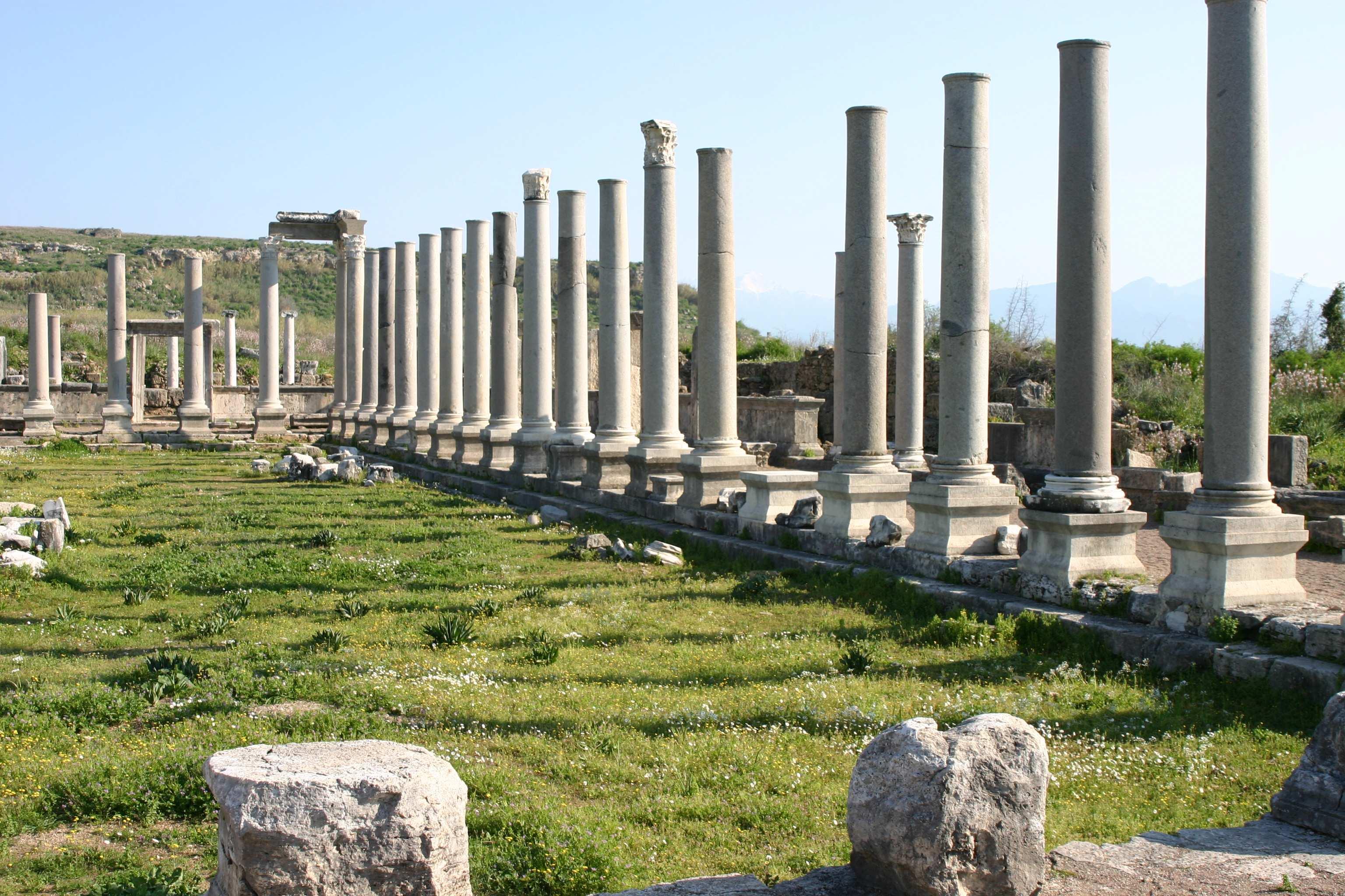 Perge colonnes