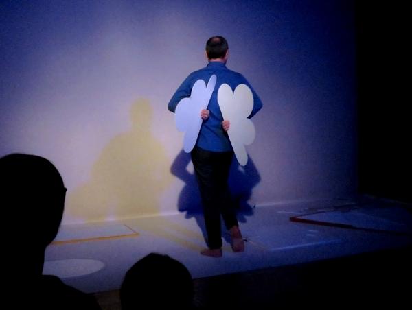"""""""A l'ombre d'un nuage"""", un spectacle qui a ravi les tout petits, a été présenté salle Kiki de Montparnasse"""