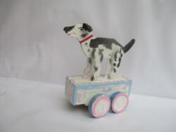 0A750 Un chien qui marche (VIET-NAM)