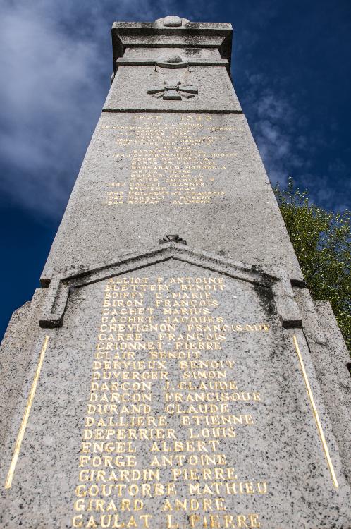 Monuments aux morts en Roannais #15, Renaison, avril 2014