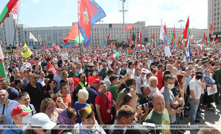 - Mais que se passe-t-il en Biélorussie ?