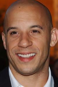 Vin Diesel Filmographie : Mark Sinclair Vincent, dit Vin Diesel, né le 18 juillet 1967, à Alameda, en Californie est un acteur, scénariste et producteur de cinéma américain.  Il est révélé par un petit rôle dans Il faut sauver le soldat Ryan, avant de tenir l'affiche de succès comme Les Chroniques de Riddick et Fast and Furious. ...