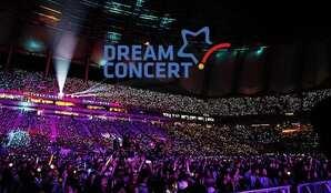 """Résultat de recherche d'images pour """"kpop concert"""""""