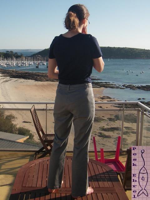 Mon premier pantalon : un jean gris