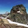 Dans la descente vers le collado de Anayet face au pico et  à l'Ossau