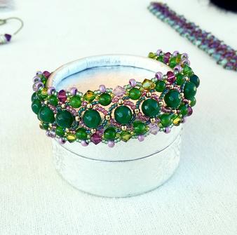 Bracelet tissé jade vert et cristal de Swarovski mauve / Métal doré sur laiton