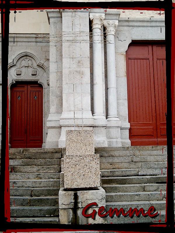 Croix de fer devant l'église St-Martin, Oullins