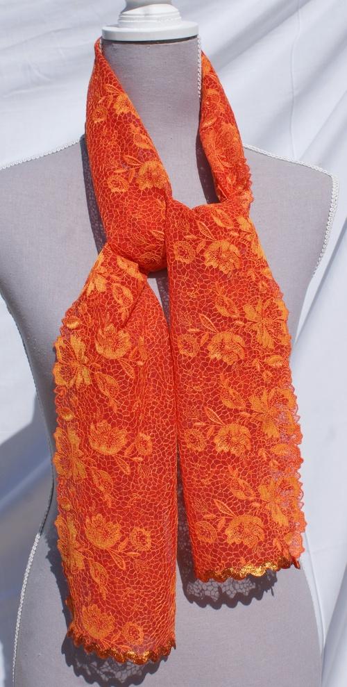 Echarpe dentelle de Calais orange