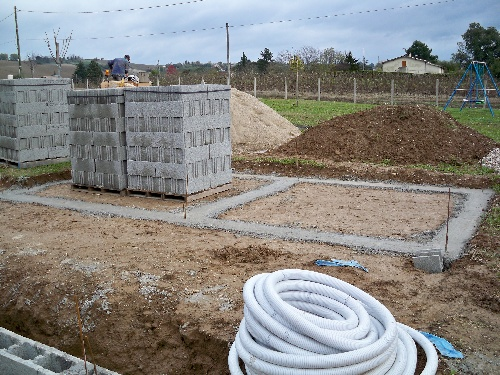 Fondations du pool house autoconstruction de notre piscine - Autoconstruction piscine ...