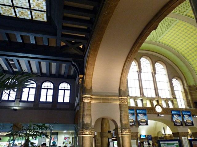 Gare de Metz Hall Départ - 29 05 10 - 23