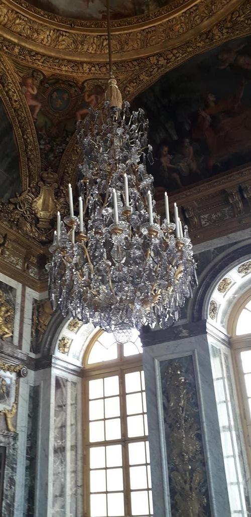 C'est Versailles ici.