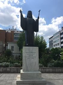 statue de l'archevêque Damaskinos