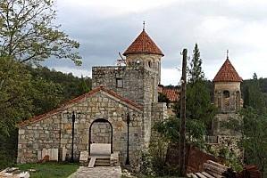 8245195-motsameta-monastery-near-kutaisi-georgia