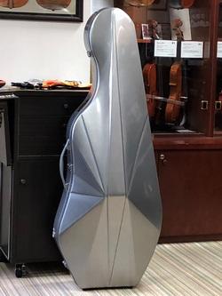 Nouveau violoncelle