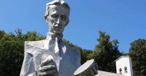 Né le 10 juillet 1856 , Nicolas Tesla, Cancer Ascendant Taureau, Lune en Taureau