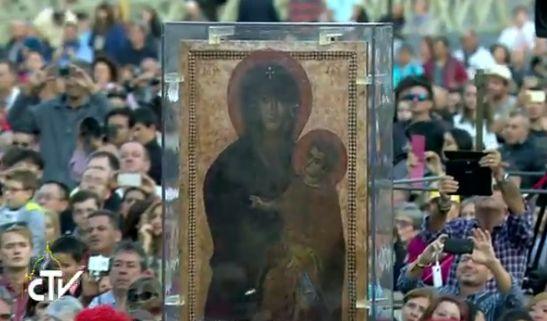 Le pape confie l'avenir du monde à la Vierge Marie