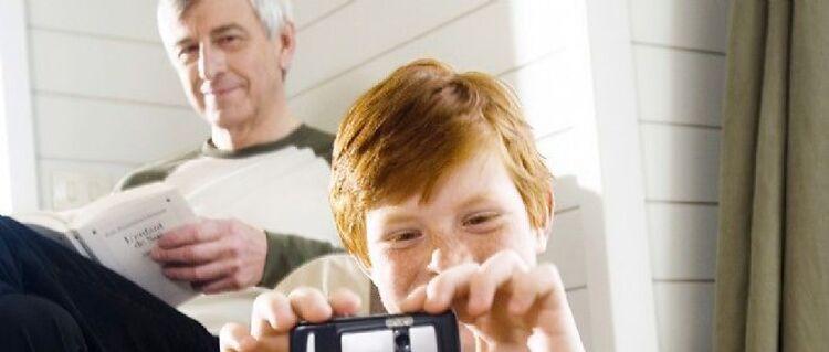 Un jeune a son Grand-père !